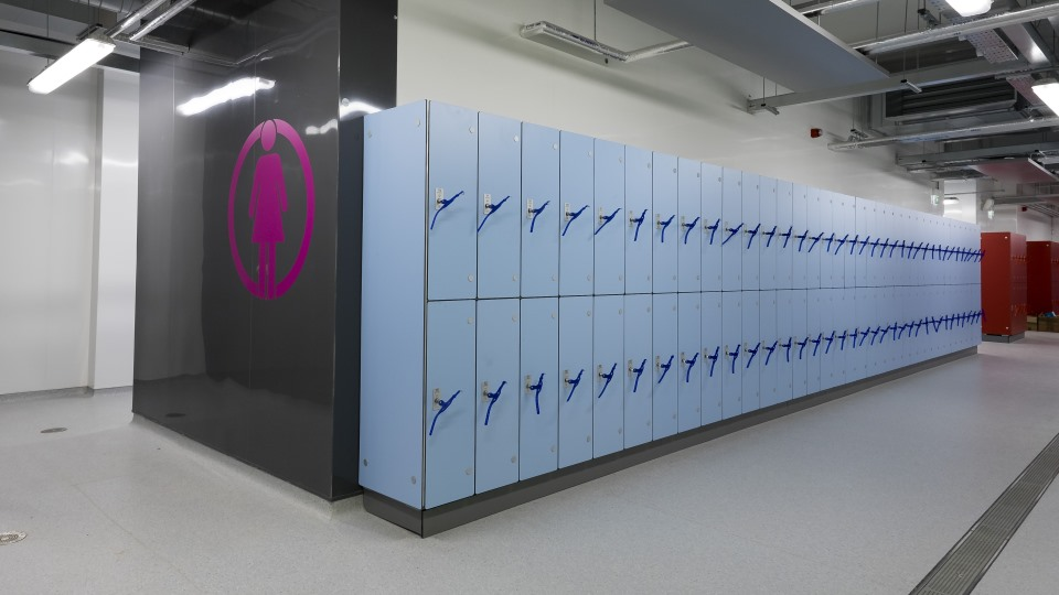Marathon Laminate Lockers Wet - Aluminium Lockers